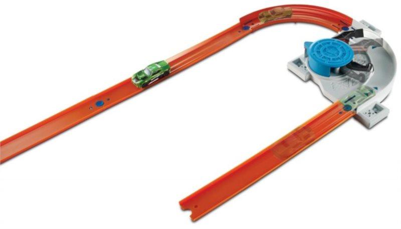 MATTEL Hot Wheels Track builder s doplňky a dráhou - Turn Kicker