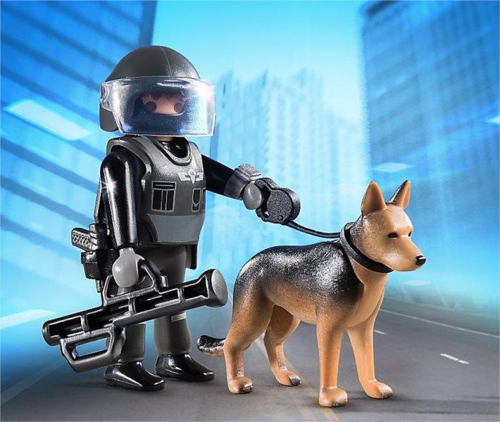 Policejní těžkooděnec se psem 5369