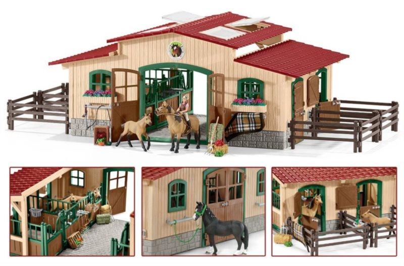 SCHLEICH poškozený obal: Stáj s koňmi a příslušenstvím