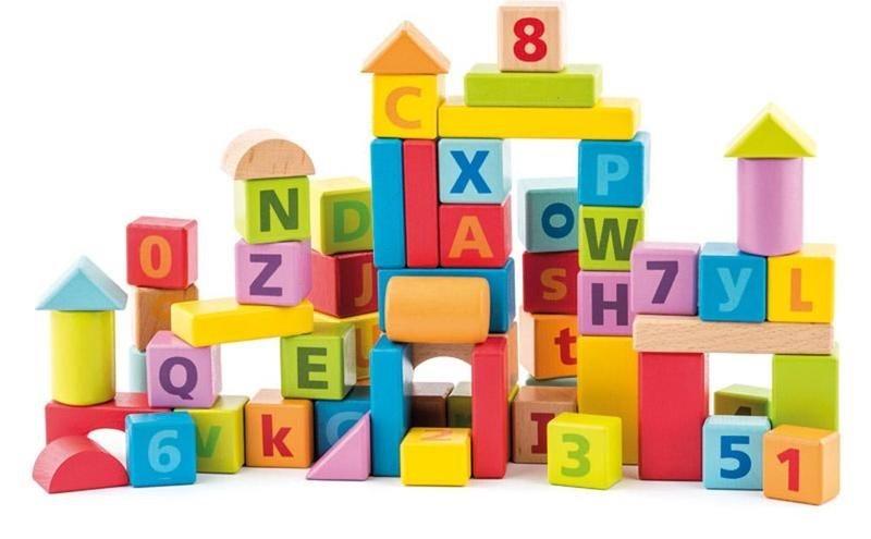 WOODY, Stavebnice: Kostky v kyblíku s písmeny a čísly, 60 kostek