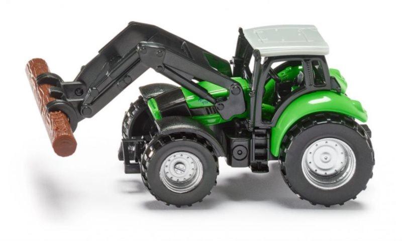 Traktor s kleštěmi na dřevo