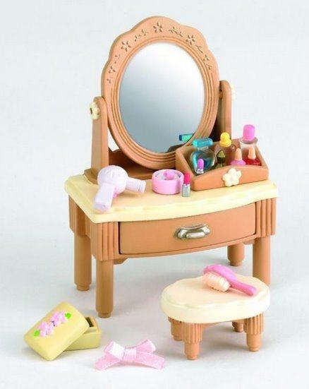 Sylvanian Families 2936 Zrcadlový stolek se židličkou